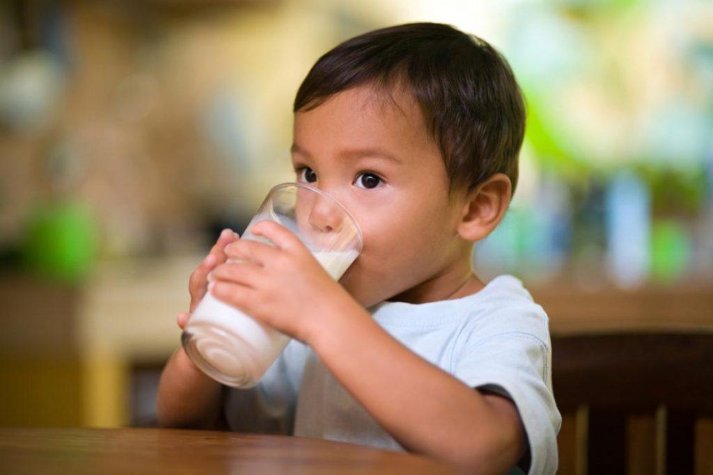 تاثیر شیر بر سلامت دندان