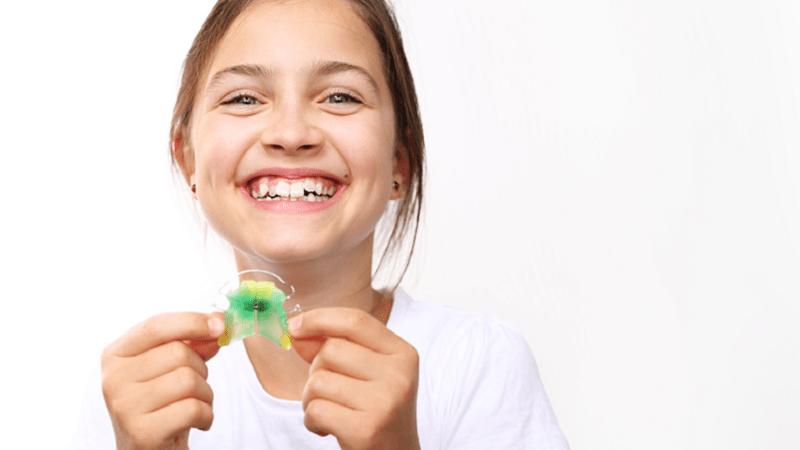 دندانپزشک کودکان اصفهان  چه عواملی سبب پوسیدگی دندان در ارتودنسی می شود ؟